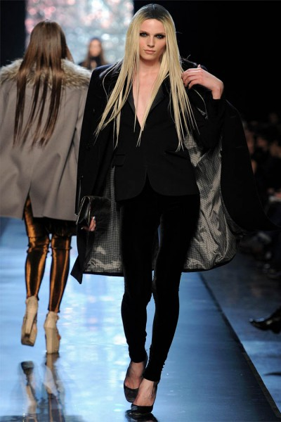 jean paul gaultier18 400x600 Jean Paul Gaultier Fall 2012 | Paris Fashion Week