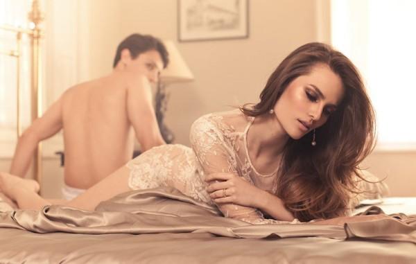 Carol Fontaneti by Renné Castrucci for Vogue Brazil Online