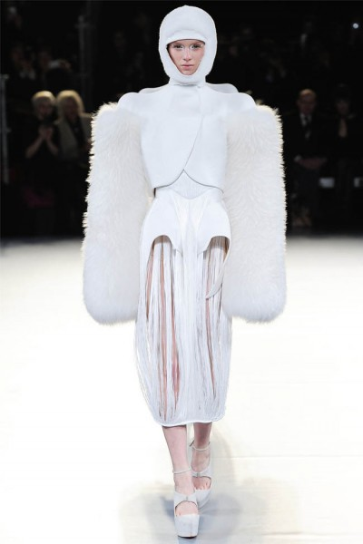 mugler1 400x600 Mugler Fall 2012 | Paris Fashion Week