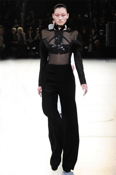 mugler10 400x600 Mugler Fall 2012 | Paris Fashion Week