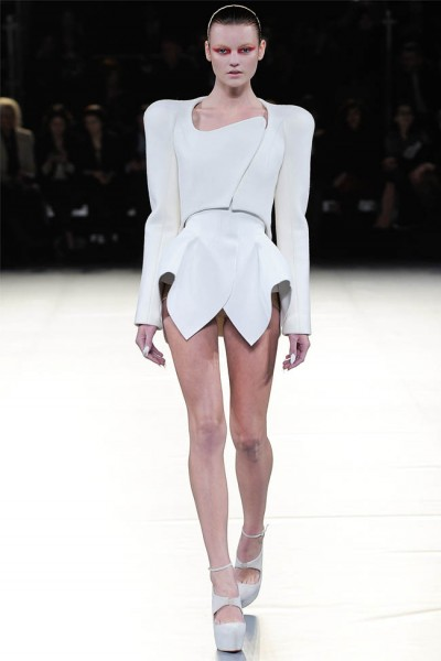 mugler12 400x600 Mugler Fall 2012 | Paris Fashion Week