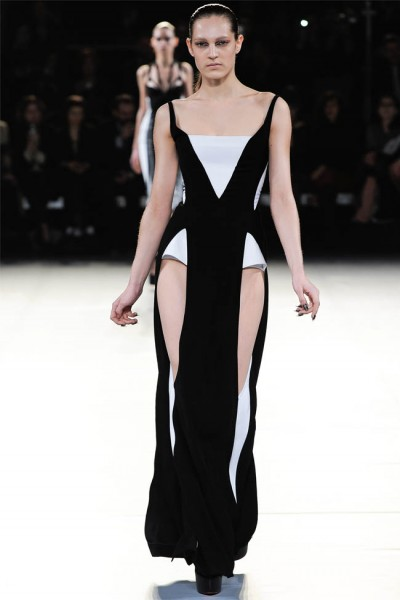 mugler14 400x600 Mugler Fall 2012 | Paris Fashion Week