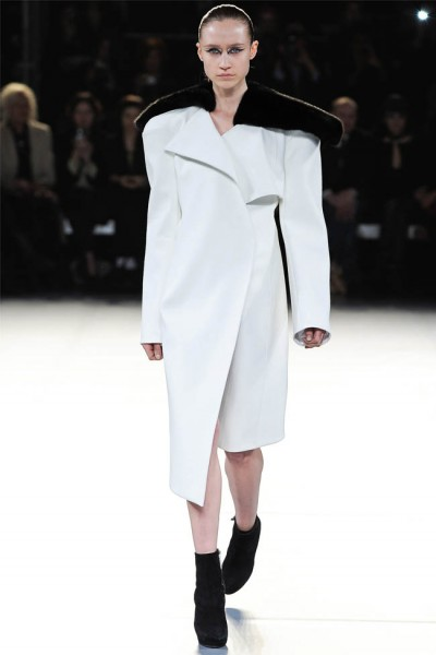 mugler17 400x600 Mugler Fall 2012 | Paris Fashion Week