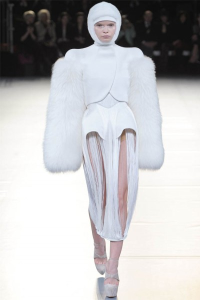 mugler2 400x600 Mugler Fall 2012 | Paris Fashion Week