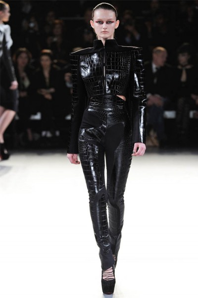 mugler28 400x600 Mugler Fall 2012 | Paris Fashion Week