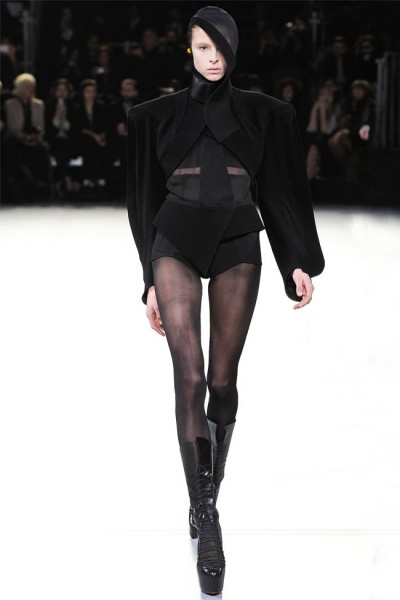 mugler34 400x600 Mugler Fall 2012 | Paris Fashion Week
