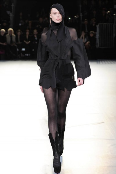 mugler38 400x600 Mugler Fall 2012 | Paris Fashion Week