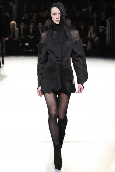 mugler39 400x600 Mugler Fall 2012 | Paris Fashion Week