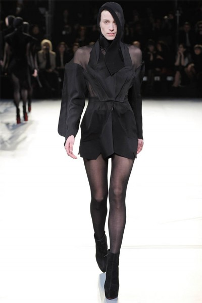 mugler40 400x600 Mugler Fall 2012 | Paris Fashion Week