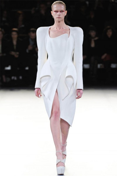 mugler6 400x600 Mugler Fall 2012 | Paris Fashion Week