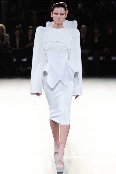 mugler7 400x600 Mugler Fall 2012 | Paris Fashion Week