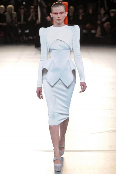 mugler8 400x600 Mugler Fall 2012 | Paris Fashion Week