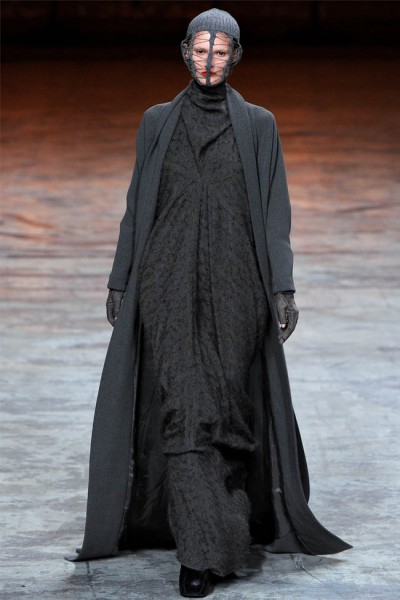 rick owens12 400x600 Rick Owens Fall 2012 | Paris Fashion Week