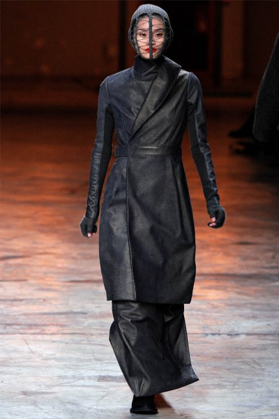 rick owens16 400x600 Rick Owens Fall 2012 | Paris Fashion Week