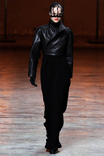 rick owens18 400x600 Rick Owens Fall 2012 | Paris Fashion Week