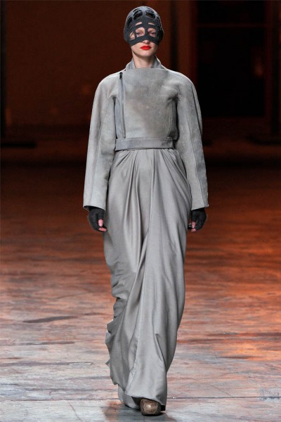 rick owens19 400x600 Rick Owens Fall 2012 | Paris Fashion Week