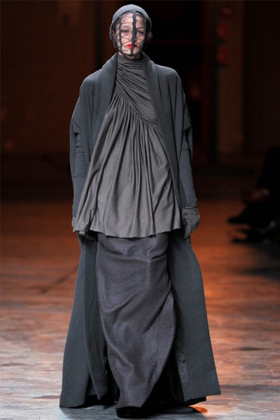 rick owens2 400x600 Rick Owens Fall 2012 | Paris Fashion Week