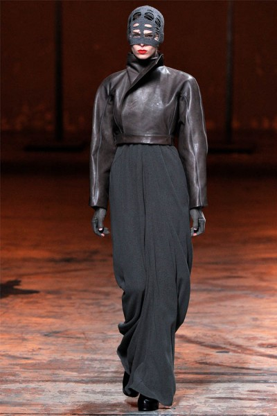rick owens20 400x600 Rick Owens Fall 2012 | Paris Fashion Week