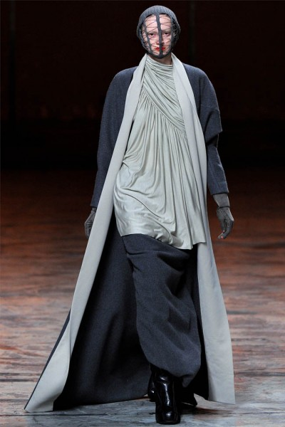 rick owens3 400x600 Rick Owens Fall 2012 | Paris Fashion Week