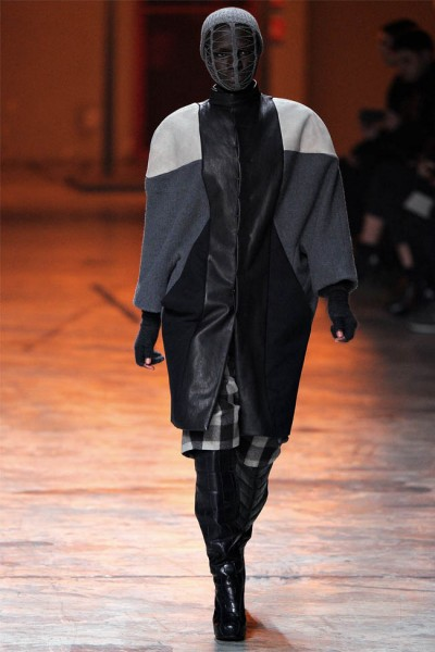 rick owens37 400x600 Rick Owens Fall 2012 | Paris Fashion Week