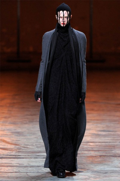rick owens7 400x600 Rick Owens Fall 2012 | Paris Fashion Week