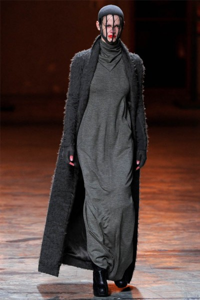 rick owens8 400x600 Rick Owens Fall 2012 | Paris Fashion Week