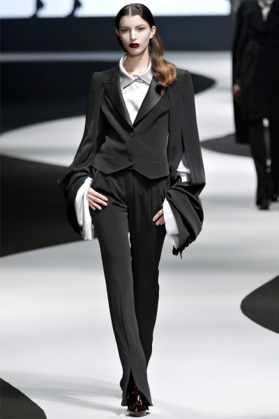 viktor rolf13 400x600 Viktor & Rolf Fall 2012 | Paris Fashion Week