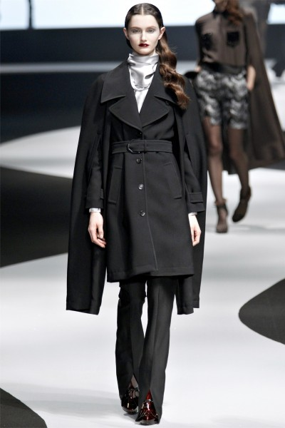 viktor rolf14 400x600 Viktor & Rolf Fall 2012 | Paris Fashion Week