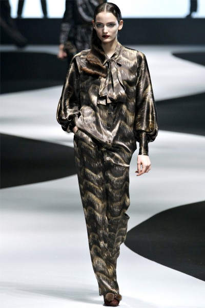 viktor rolf2 400x600 Viktor & Rolf Fall 2012 | Paris Fashion Week