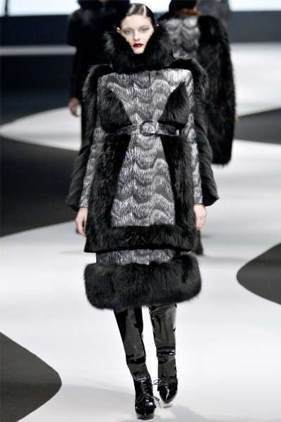 viktor rolf22 400x600 Viktor & Rolf Fall 2012 | Paris Fashion Week