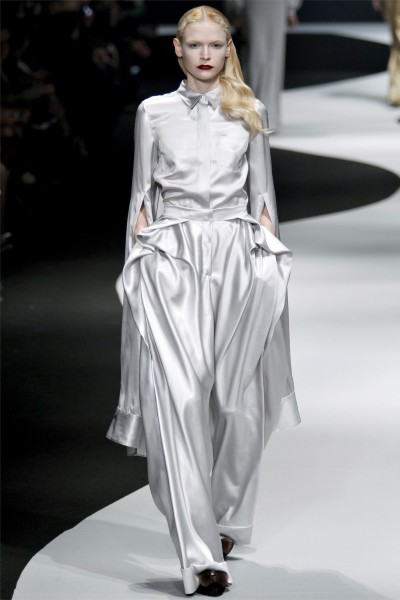 viktor rolf8 400x600 Viktor & Rolf Fall 2012 | Paris Fashion Week