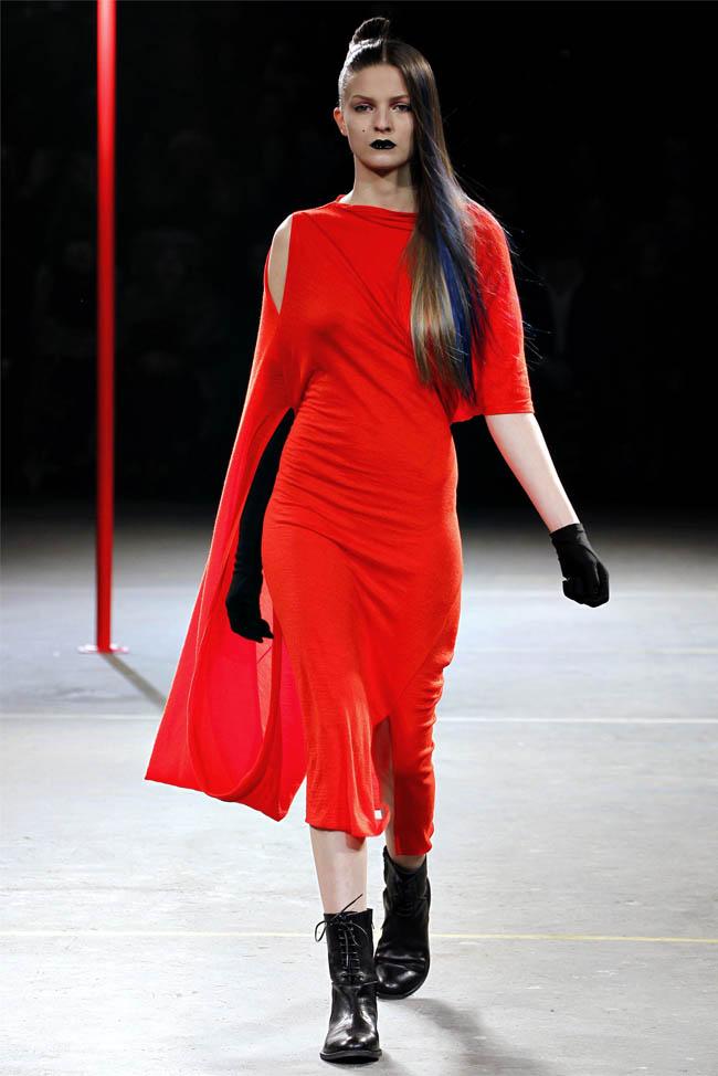 Yohji Yamamoto Fall 2012 Paris Fashion Week