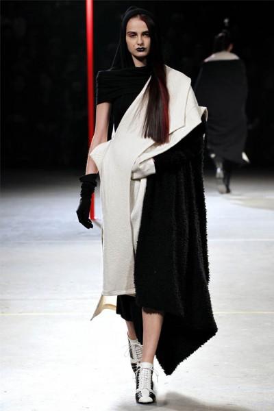 Yohji Yamamoto Fall 2012 | Paris Fashion Week