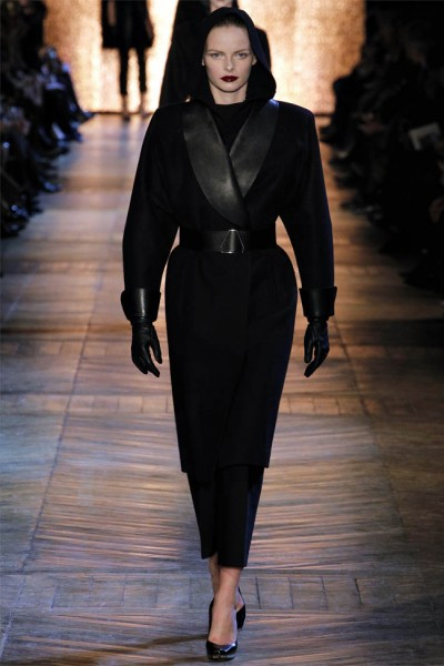 yves saint laurent1 400x600 Yves Saint Laurent Fall 2012 | Paris Fashion Week