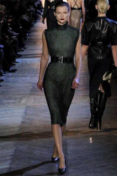 yves saint laurent11 400x600 Yves Saint Laurent Fall 2012 | Paris Fashion Week