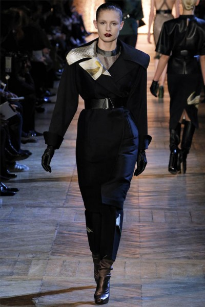 yves saint laurent12 400x600 Yves Saint Laurent Fall 2012 | Paris Fashion Week