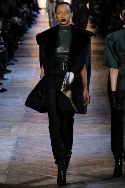 yves saint laurent14 400x600 Yves Saint Laurent Fall 2012 | Paris Fashion Week