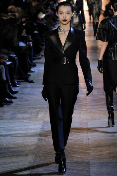 yves saint laurent17 400x600 Yves Saint Laurent Fall 2012 | Paris Fashion Week