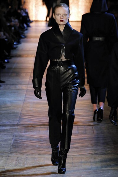 yves saint laurent3 400x600 Yves Saint Laurent Fall 2012 | Paris Fashion Week