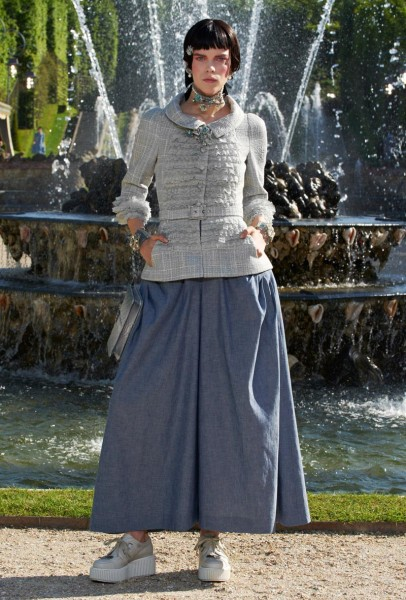 chanel resort12 406x600 Chanel Cruise 2013 Collection
