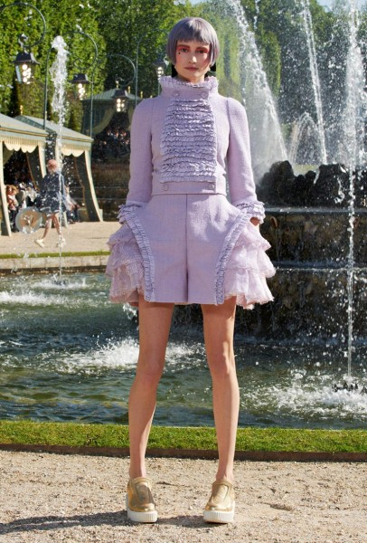 chanel resort16 406x600 Chanel Cruise 2013 Collection