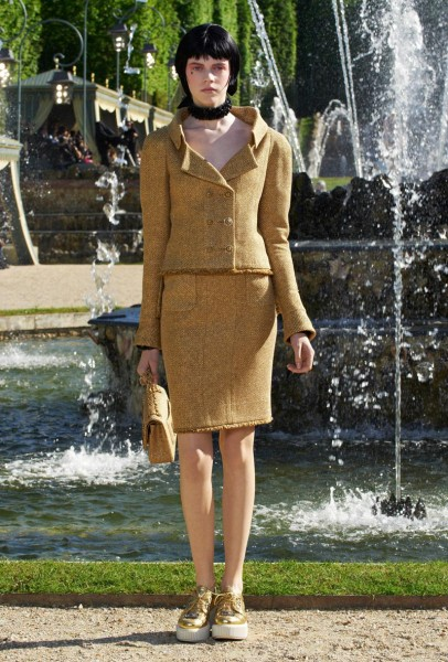 chanel resort29 406x600 Chanel Cruise 2013 Collection