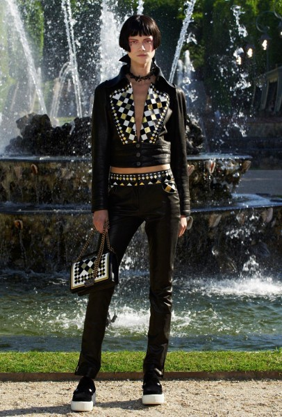 chanel resort32 406x600 Chanel Cruise 2013 Collection