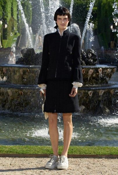 chanel resort33 406x600 Chanel Cruise 2013 Collection