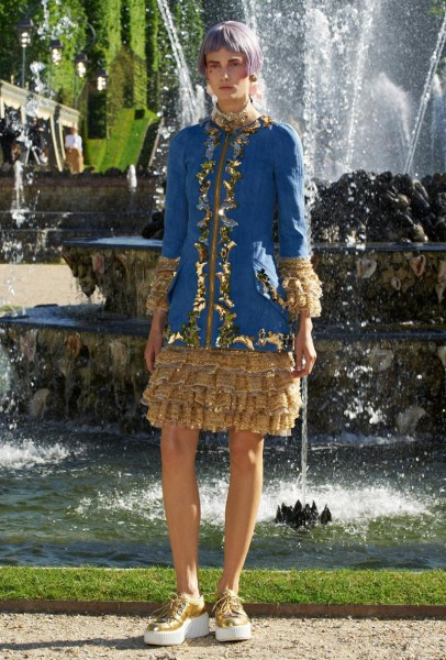 chanel resort36 406x600 Chanel Cruise 2013 Collection