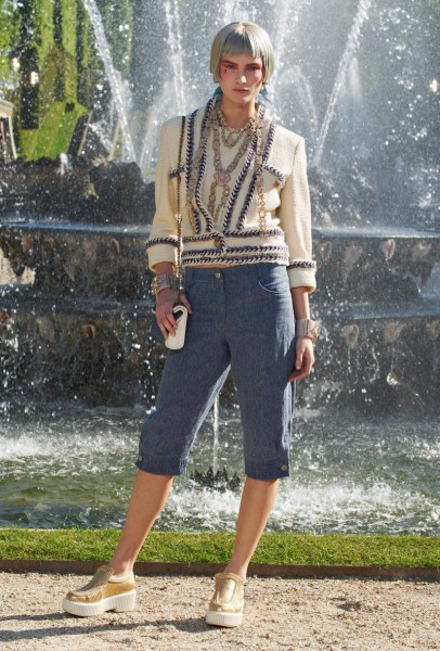 chanel resort38 406x600 Chanel Cruise 2013 Collection