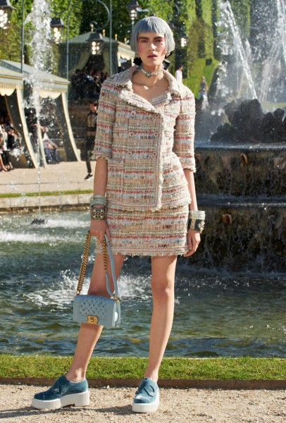 chanel resort40 406x600 Chanel Cruise 2013 Collection