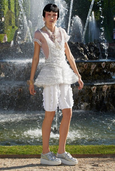 chanel resort47 406x600 Chanel Cruise 2013 Collection