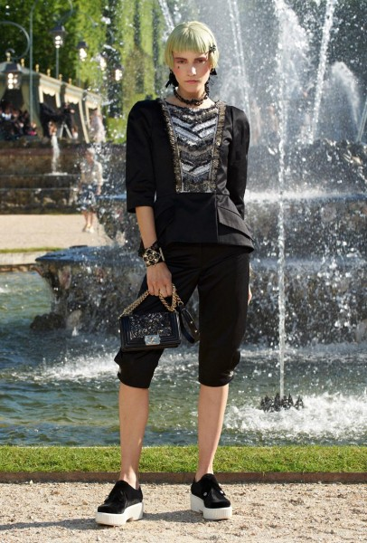 chanel resort48 406x600 Chanel Cruise 2013 Collection