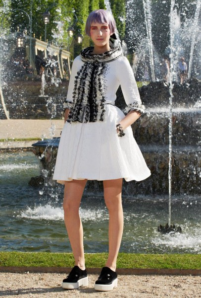 chanel resort49 406x600 Chanel Cruise 2013 Collection